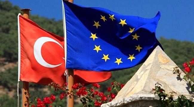 AB, Türkiye'ye yapılan mali yardımlarda 85 milyon euro kesintiye gitti.