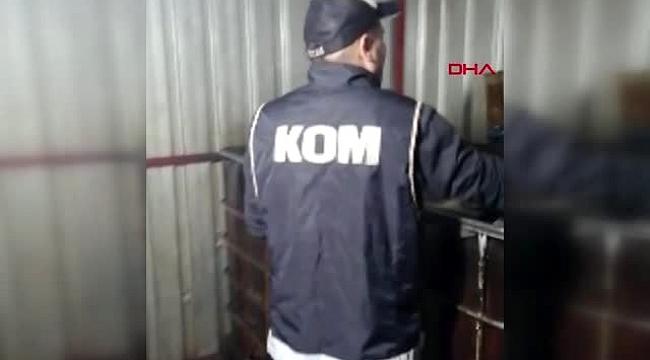İzmir'de 3 bin litre kaçak akaryakıt ele geçirildi