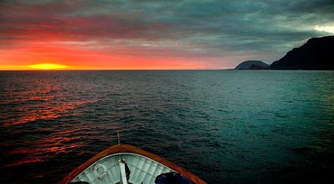 Ekvador'a bağlı Galapagos Adaları'ndaki Cumbre Yanardağı yeniden faaliyete geçti!.