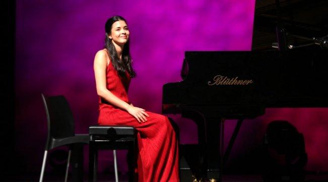 Genç piyanistten 2020'ye merhaba konseri