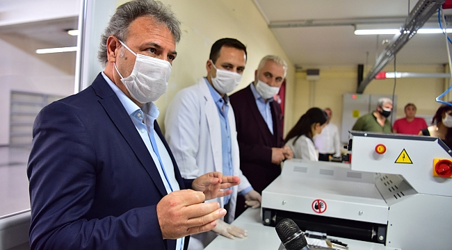 Bornova'da günde 30 bin maske üretilebilecek Bornova Belediyesi maske üretiminde vites büyüttü.