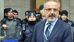 HDP'li Sırrı Sakık'a terör örgütü propagandasından hapis cezası.