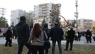 İzmir depreminde 11 kişinin öldüğü binanın sorumluları hakim karşısında.